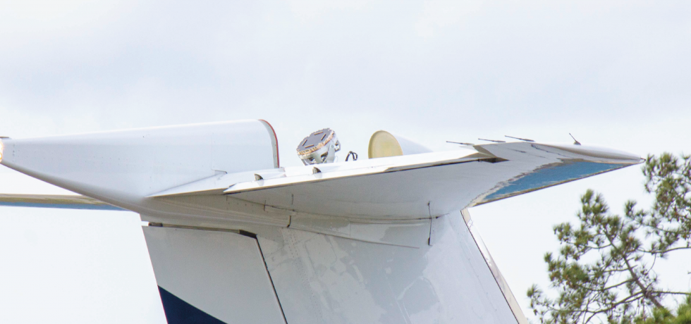 The Plane Simple Ku-band tail mount antenna installed on SD Gulfstream aircraft for validation.
